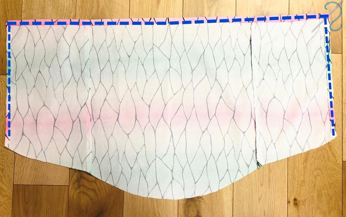 【ダイソー】はぎれで作る胡蝶しのぶコスプレマント(3歳)⑤