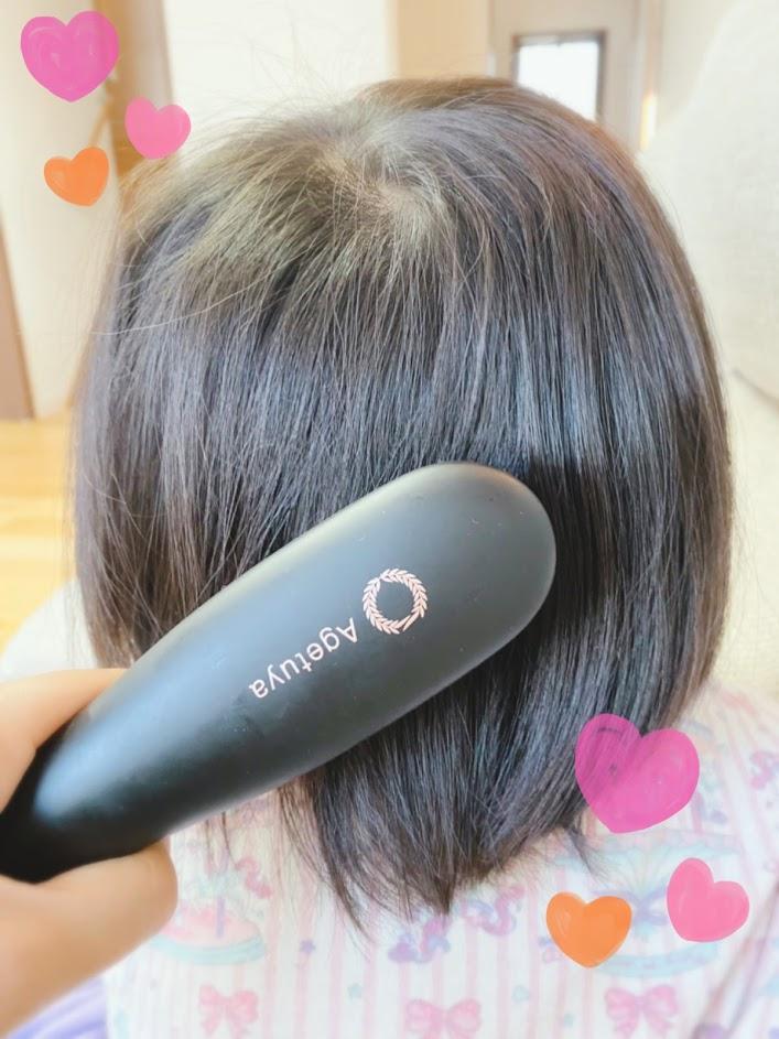 「アゲツヤポータブルミニブラシ」幼稚園女の子の朝支度!寝ぐせを直して、髪を整えてます。
