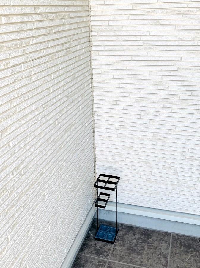 山崎実業『tower』アンブレラスタンドタワー・傘立てを購入!玄関ポーチに置いてます。