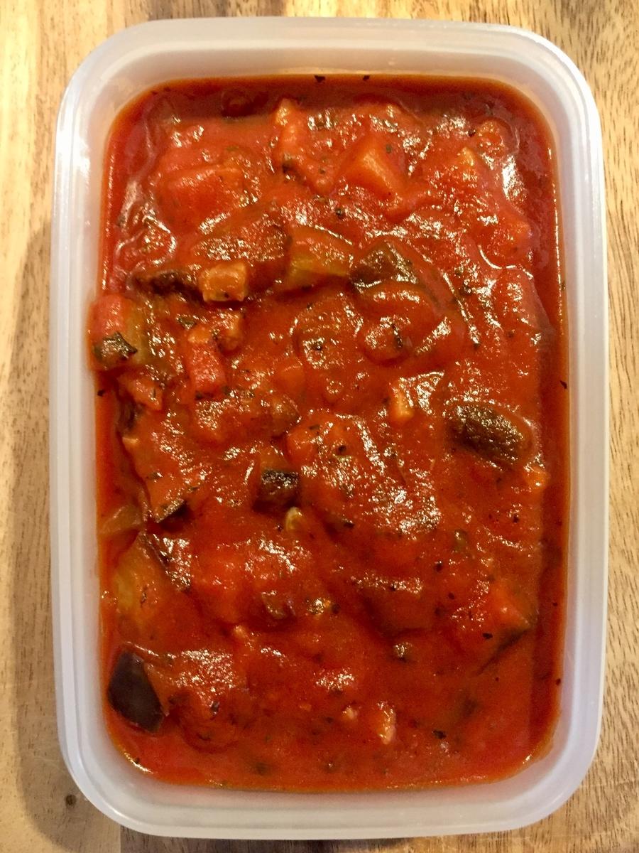 【作り置き】トマトピューレを使って作る!簡単「ベーコンとナスのトマトソース」