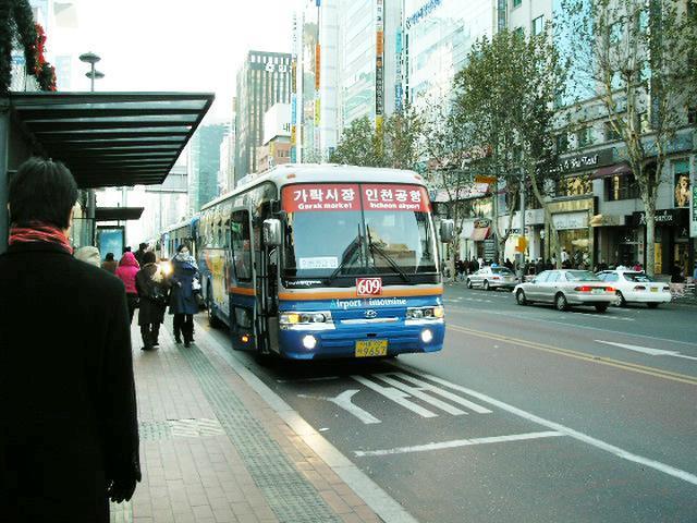 空港バスの画像