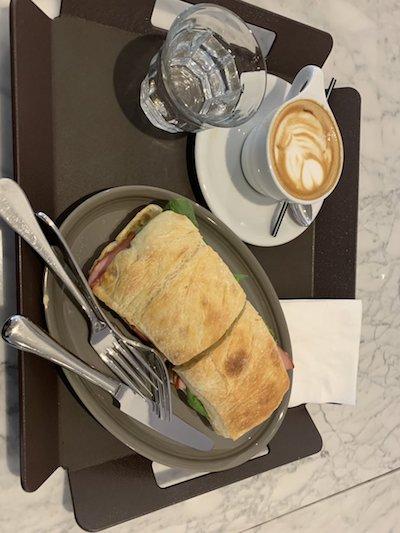 韓国 おひとりさま パン カフェ b.patisserie