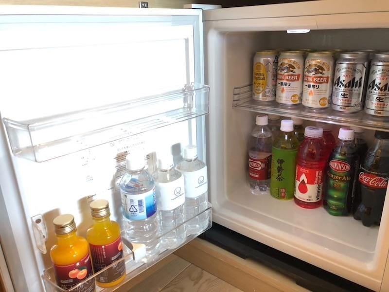 【宿泊記】 《ザ・ひらまつ ホテルズ&リゾーツ 賢島》 お部屋(別棟ツインルーム) 冷蔵庫内のソフトドリンクが全て無料