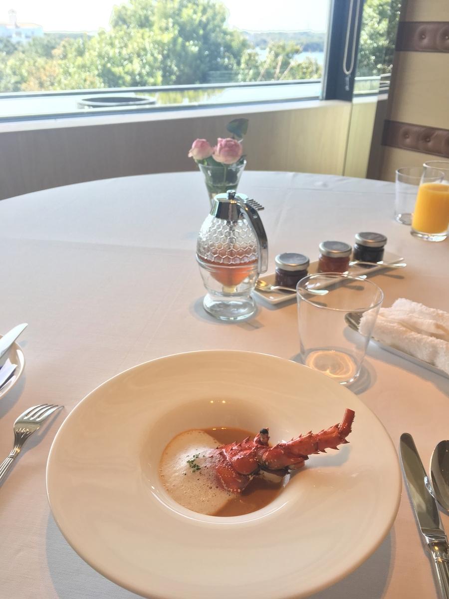 【宿泊記】 《ザ・ひらまつ ホテルズ&リゾーツ 賢島》 朝食 個室ダイニングルーム 伊勢海老のピスクスープ