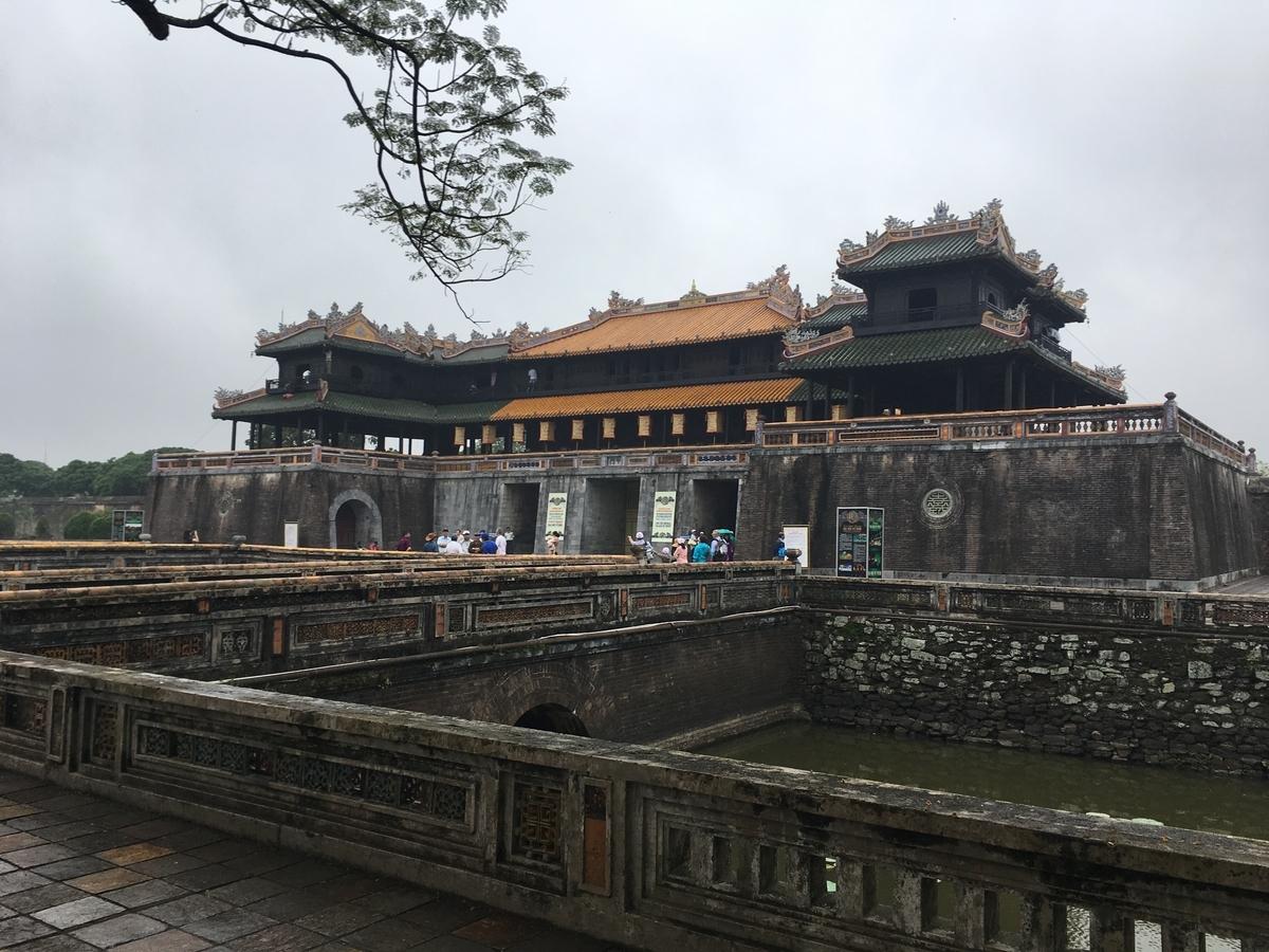 ベトナム フエ グエン朝王宮の外観