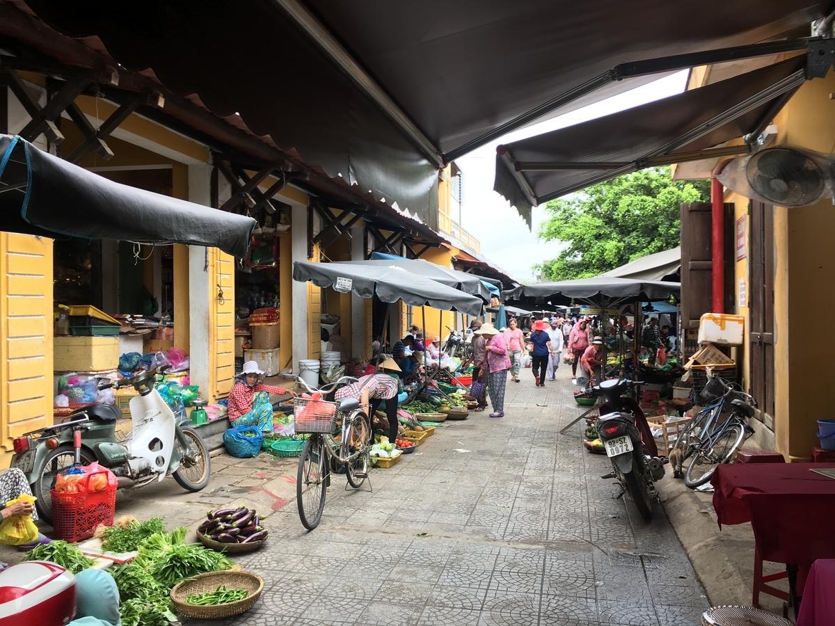 ベトナム ホイアン旧市街の市場