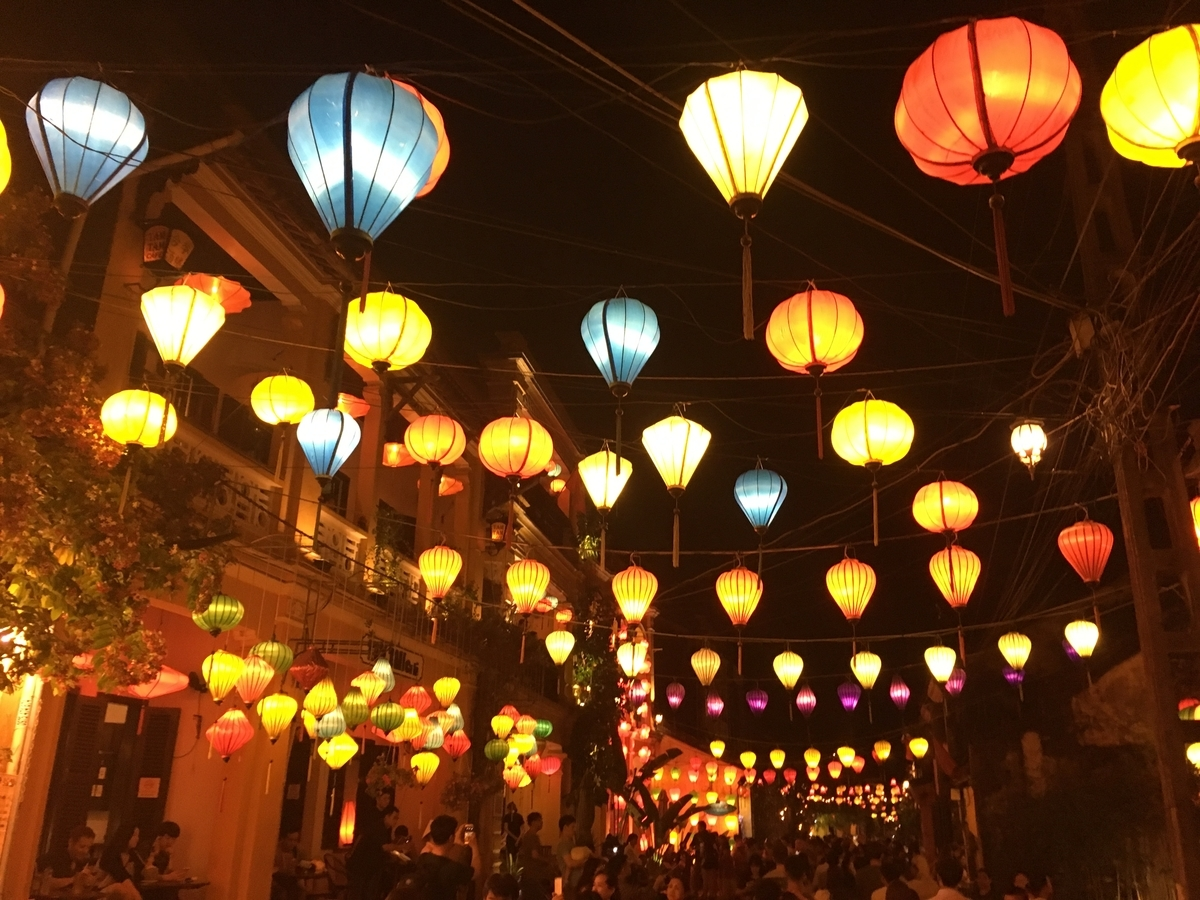 ベトナム ホイアン旧市街 夜ならではのランタンの風景