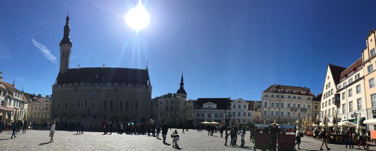 エストニア タリン旧市街 タリンの歴史地区 広場 市庁舎