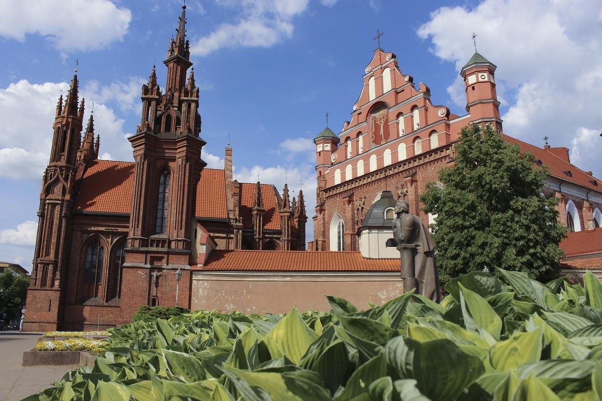 リトアニア ビリニュスの歴史地区 聖アンナ聖堂