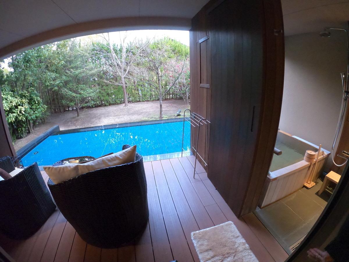 やまぐち湯田温泉古稀庵 「麒麟草」のお部屋の中にある露天風呂