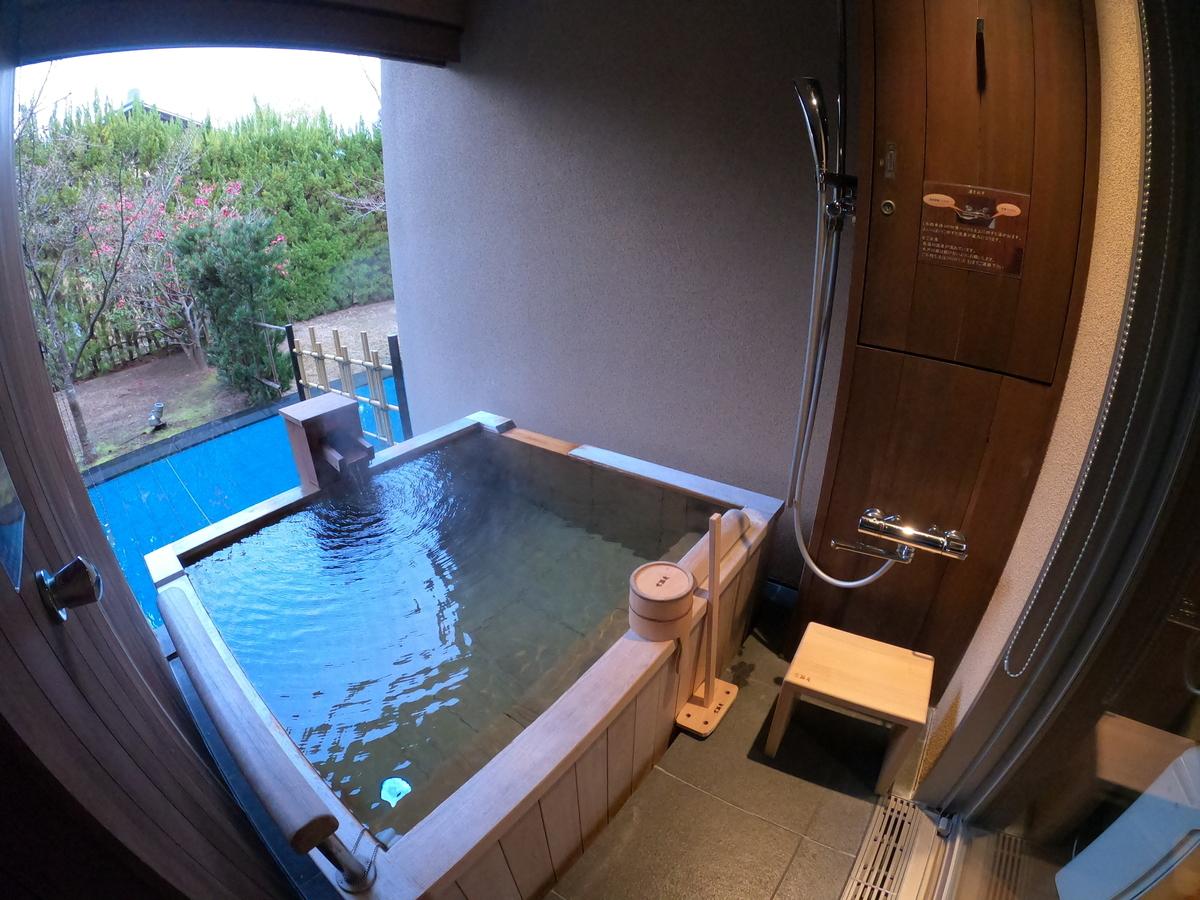 やまぐち湯田温泉古稀庵 「麒麟草」のお部屋内露天風呂