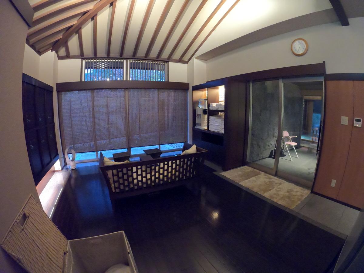 やまぐち湯田温泉古稀庵 大浴場の脱衣所は広々としている