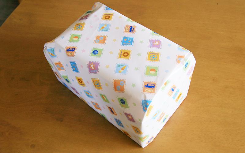 クリスマスプレゼント包装の写真