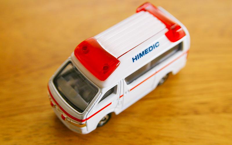 救急車の赤色灯の写真