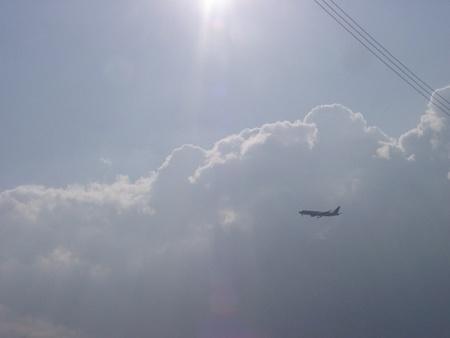 ジェット機も飛んでます