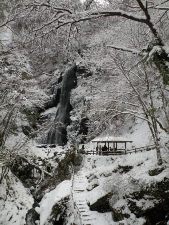 白猪の滝 全景