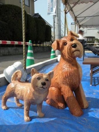 チェンソーアート(犬)