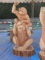 チェンソーアート(猿の親子)