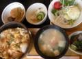 [食]日替わり定食・親子丼