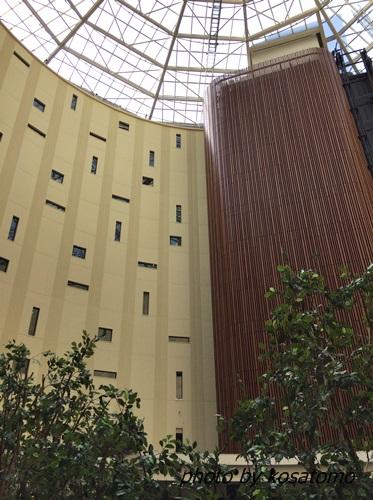 東京ベイ舞浜ホテルのアトリウム