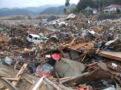 震 災 東北