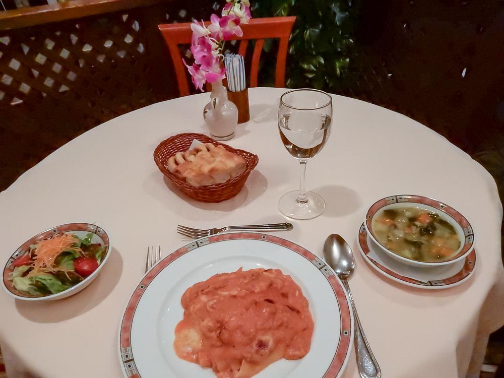 エリオ・ロカンダ・イタリアーナ 料理が一気に出てくる