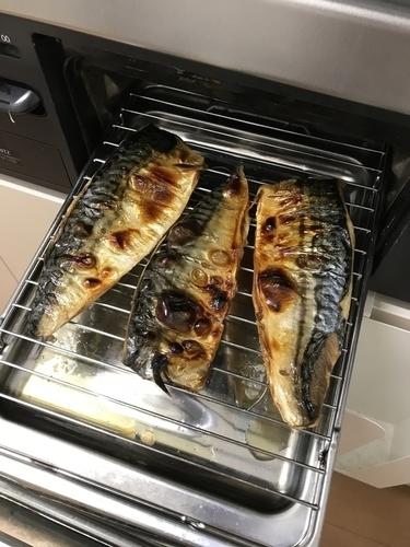 魚焼きグリルで焼きサバ