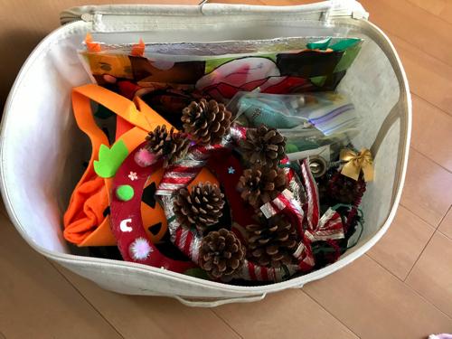 無印良品「ポリエステル綿麻混・ソフトボックス」にクリスマス飾りを収納2