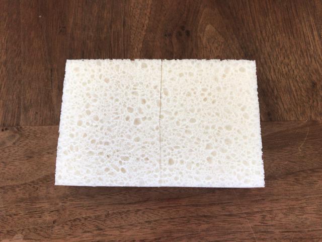白のセルロースポンジ