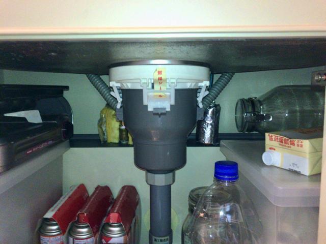 シンク下で分岐して食洗機に繋ぐ