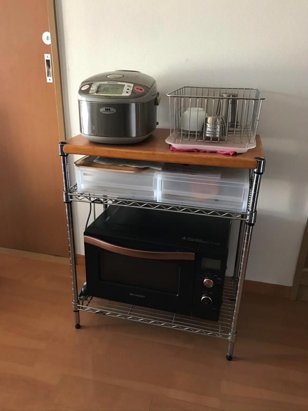 ルミナスのメタルラックにオーブンレンジと炊飯器を収納