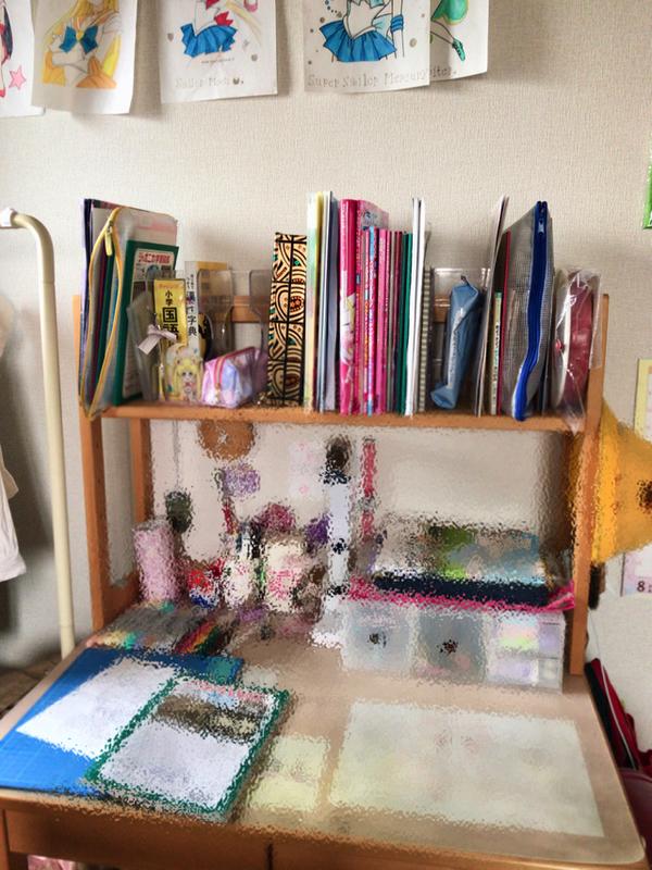 学習机の上置き本棚にナカバヤシのブックスタンド