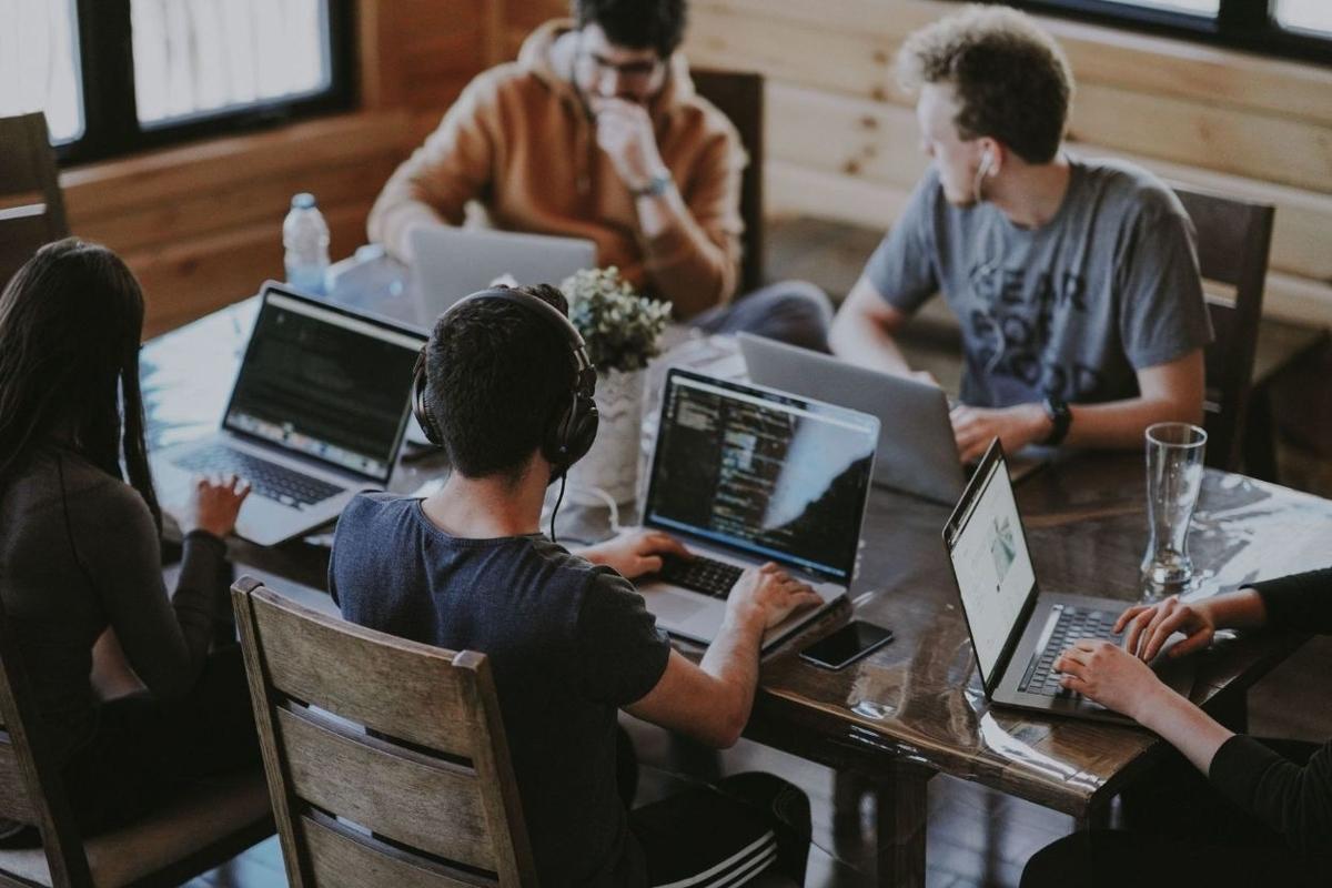 大学生のWebマーケティングスクールの選び方