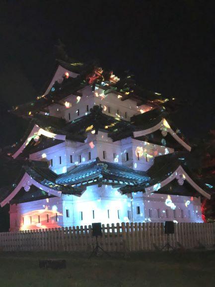 弘前城・光の桜紅葉