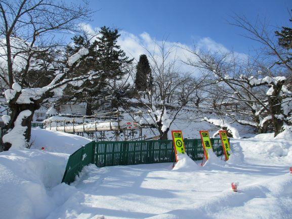 弘前公園・雪景色