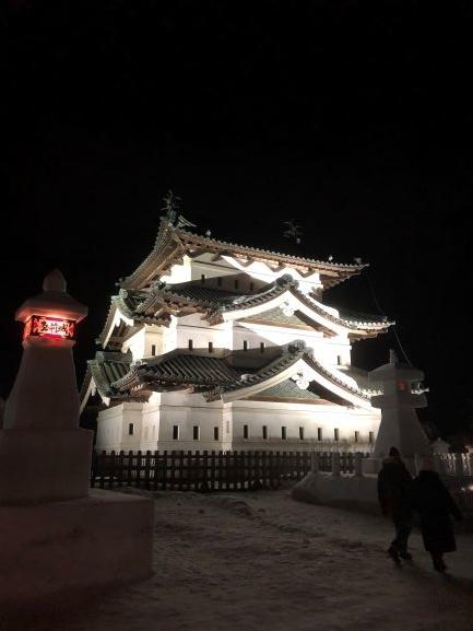 弘前城天守・雪燈籠