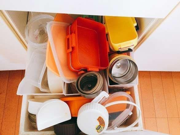 キッチンの保存容器ビフォー