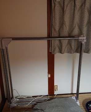 寝室に布団干し