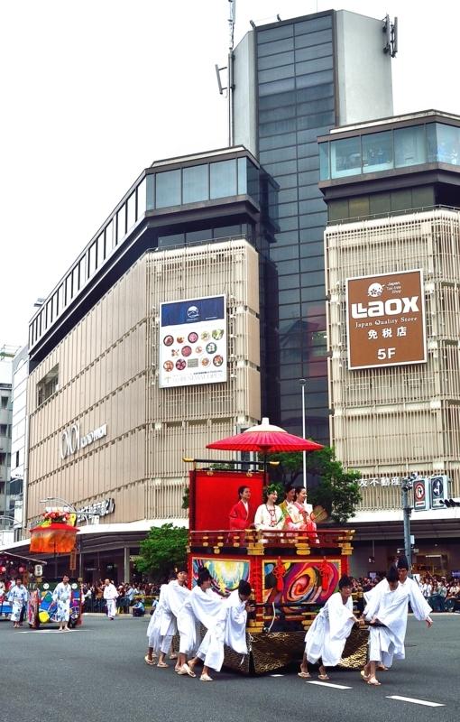京都新聞写真コンテスト 花傘巡行京都新聞写真コンテスト 花傘巡行