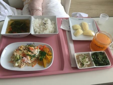 サミティベート病院食事1