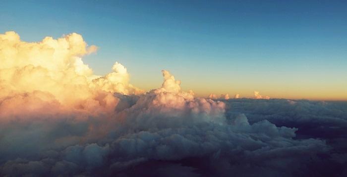 HNL-HNDの機窓から見た空