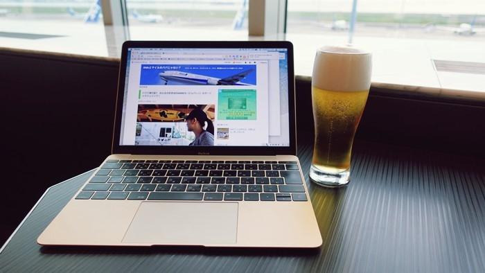 ビールとMacBook
