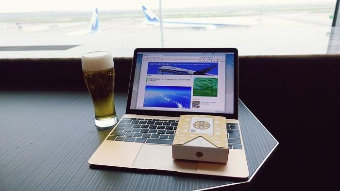 羽田空港ANA SUITE LOUNGEでビール