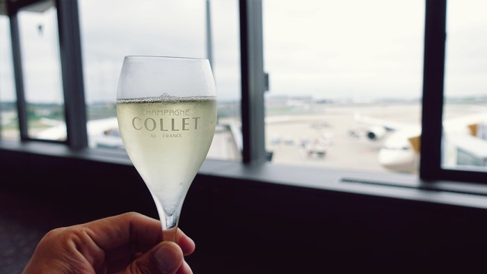 最初の1杯はシャンパンを