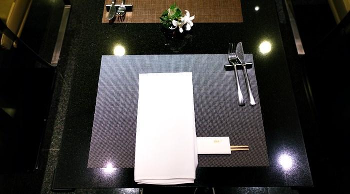 DINING hテーブルのテーブル