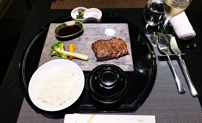 茨城県産牛のロースステーキ