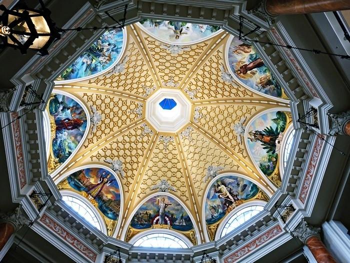 ホテルミラコスタ、ロビーの天井