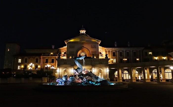 夜のミラコスタ