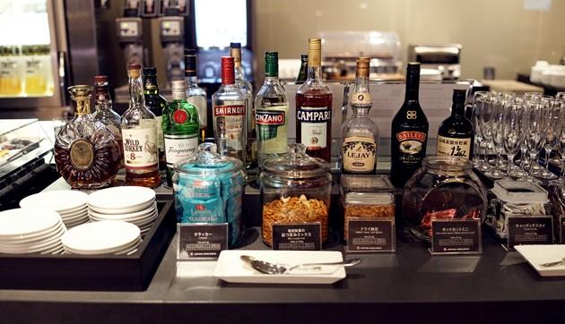 ファーストクラスラウンジのアルコール