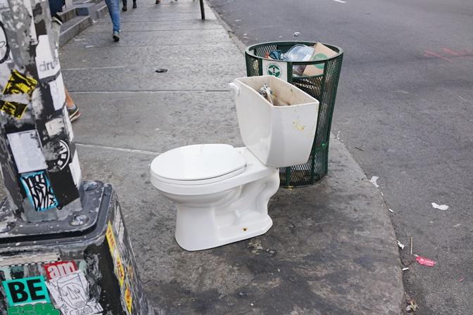 なぜかトイレ